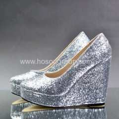 Comfortable wedge heel glittering shoes