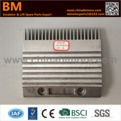 3703280 Escalator Comb Plate 197.4x178.8x9x99x22Txcenter for Kone