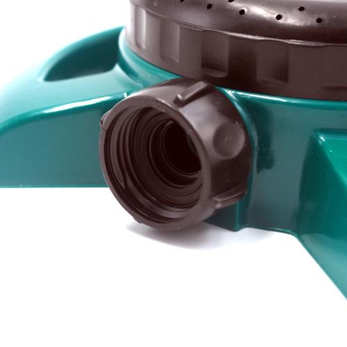 Plastic 8-way water lawn sprinkler