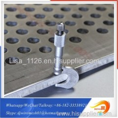Meet international standard PVC coated perforated metal mesh punching hole sheet