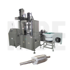 AUTOMATIC ALUMINUM DIE CASTING MACHINE