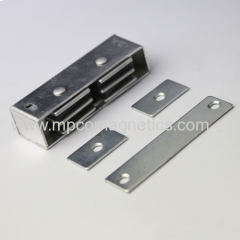 Heavy duty magnetic catches