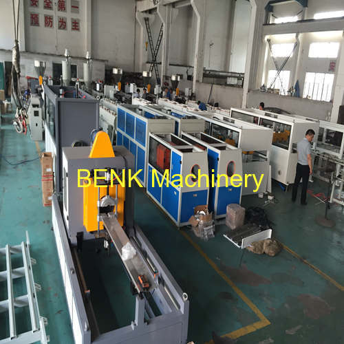 OD 50-160mm output 200KG MAX sewer PVC pipe extrusion machine line