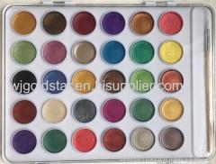 30色木のブラシで設定された真珠色の水彩塗料