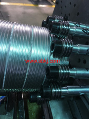 Spiral metal duct forming machine
