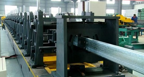 Automatic waved board production line