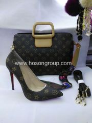 Classical high heel women shoes and matched handbag