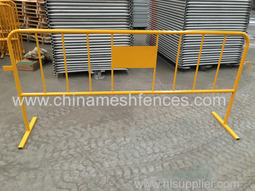 Galvanized interlocking metal roadway safety border barriers