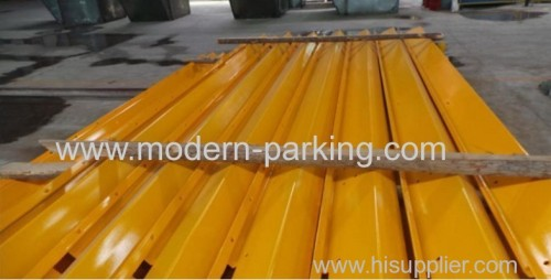 Side beam for parking waved plate