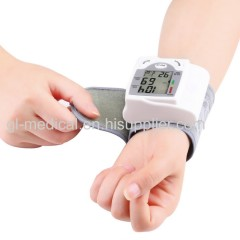 Lightweight blood pressure monitor bp apparatus