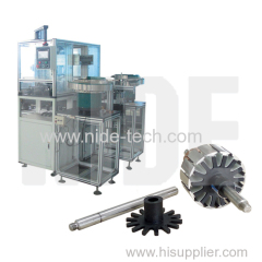 End plate automatic inserting machine