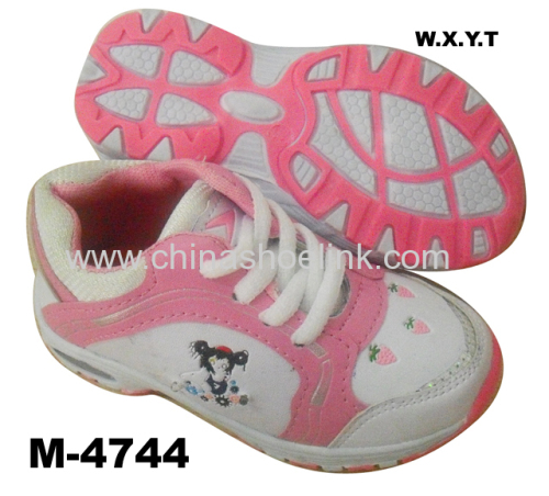 Popular Outdoor Kids Running Shoes with LED Light