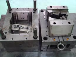 Cold chamber die casting tooling