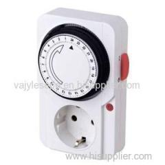 German 24hrs Mechanical Plug In Electronical Timer Switch With Ourlet Socket