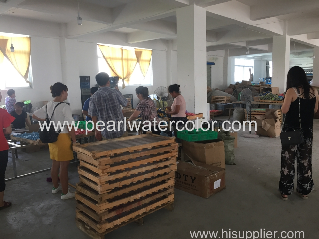 customer visit my factory and inspect Chalk set quality