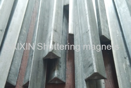 triangular steel strip 10x10mm &15mmx15mm iron chamfer precast concerete chamfer