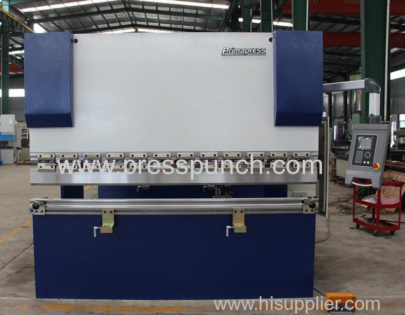 Delem DA41S CNC Hydraulic press brake machine exported