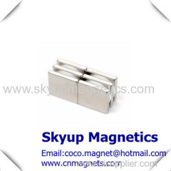 Block strong permanent magnets used in seperators