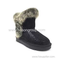 Children clip on snow boots with fur