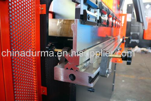 малый прессовый тормоз использовали стальной гибочный станок для продажи