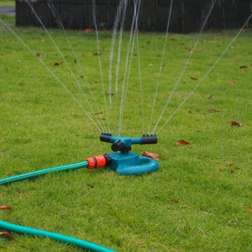Plastic 3-Arm Rotary Garden Water Sprinkler