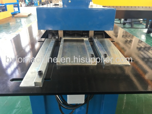 Nanjing Byfo square duct s cleat forming machine