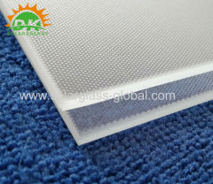 Manufacturer ultra white glass clear low iron patterned glass