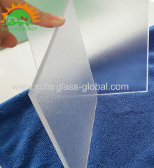 Ultra clear solar patterned tempered glass for solar collector solar panel