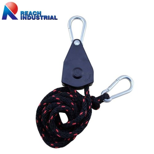 "250lbs 3/8"" Rope Ratchet Tie Down with Carabiner Hook"