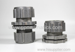 Pulse valve bottom loading bulkhead connector