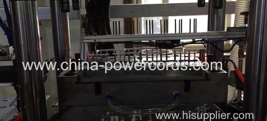 Automatic molding machine to save labour cost