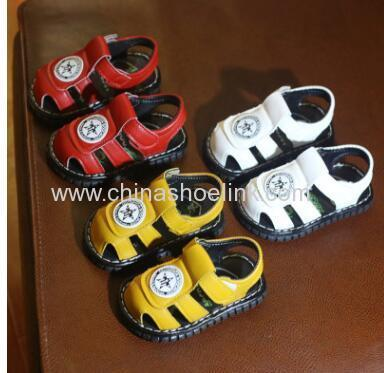 China squeaky toddler shoes exporter in red color