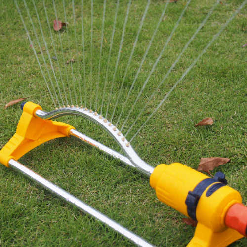 Plastic 15 hole garden water oscillate sprinkler