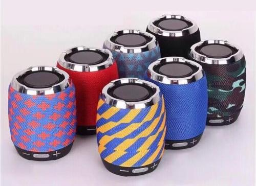 wholesaler good sound small portable bluetooth speakers Fabric Cover mertail