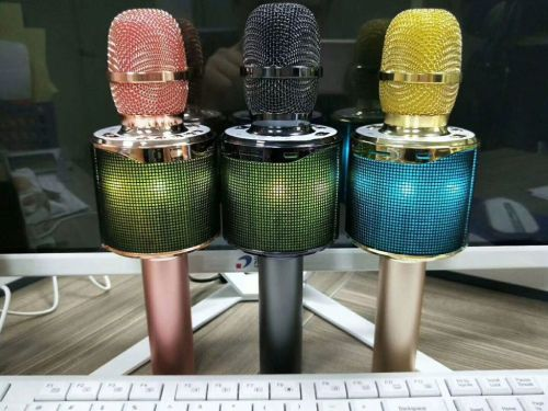 Good Qualtiy Bluetooth Karaoke mic with speaker with led lights for Karaoke home and mobile