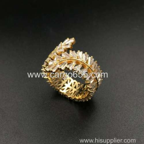 Ladies Gold Ring Cubic Zircon Pave Setting Luxury Women Jewelry Wholesale