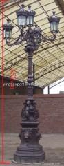 Nice five armed cast iron street lamp