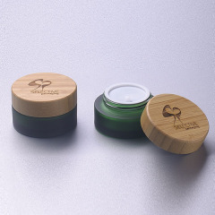 30g green glass jar with bamboo cap