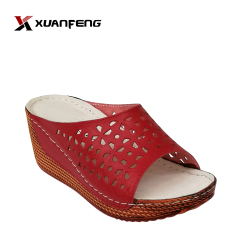 Popular Comfortable Leisure Ladies Leather Slipper