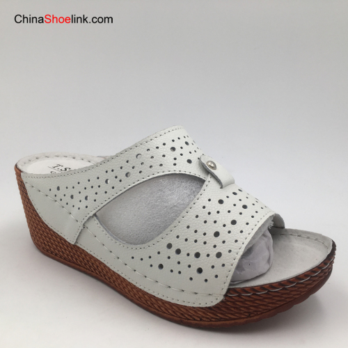 New 2020 Product Wholesale Action Leather Upper Slippers Fashion Woman Shoes