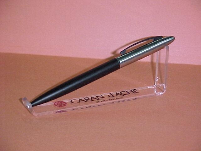 pen display case