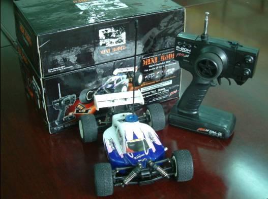 1:18 R-C Buggy Scale Car