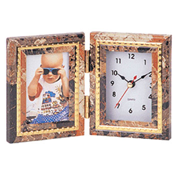 Photo-Frame Clock