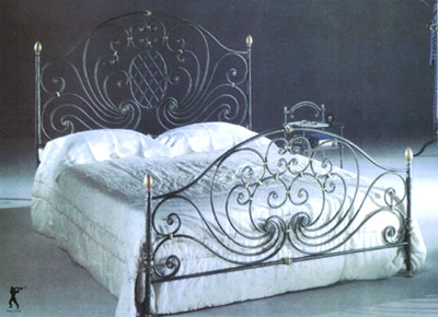 Wrought Iron Beds  Wood on Wrought Iron Furnitures In China  Our Mail Products Are Iron Bed