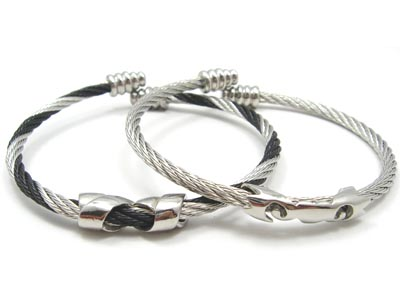 stainless steel and titanium jewellery