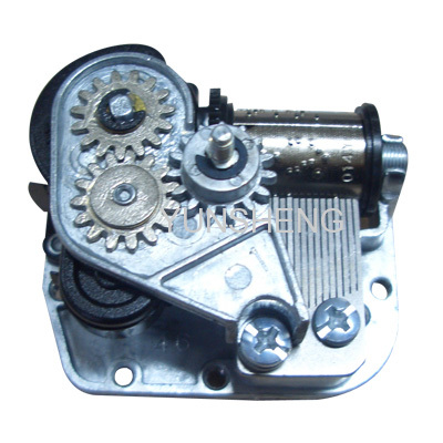 CENTER ROTATING THREADED SHAFT KEY WINDING MUSIC BOX MOVEMENT