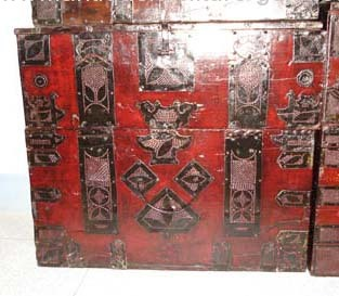 Antique Korean trunk