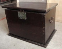Oriental antique big trunk