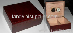 Luxury and handsome wooden cigar box including hygrometer and humidifier