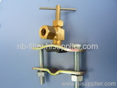 Piercing saddle valve